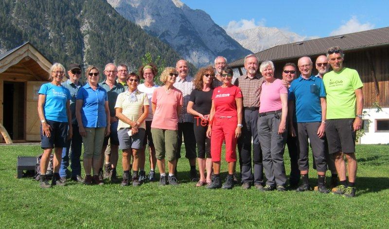 Gruppenfoto_Alpinwandertage-im-Leutaschtal